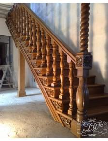 Лестница из массива дерева 6